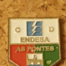 Coleccionismo deportivo: PIN FÚTBOL C.D ENDESA AS PONTES (A CORUÑA) (COMPLETO). Lote 236261650