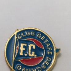 Colecionismo desportivo: PINS DE FÚTBOL CLUD GETAFE DEPORTIVO. FC. MADRID. Lote 236726205