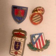 Colecionismo desportivo: LOTE 4 PINS FUTBOL EQUIPOS ESPAÑOL ATLETICO MADRID OVIEDO NUMANCIA. Lote 237435615