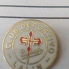 Collezionismo sportivo: INSIGNIA DE FÚTBOL CD LALÍN. PONTEVEDRA. Lote 238570510