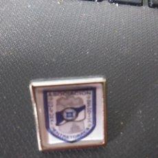 Coleccionismo deportivo: PIN DEL C.D. ENTRETORRES. Lote 239812670
