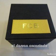 Coleccionismo deportivo: FC BARCELONA. 50 ANYS DE SOCI. 50 AÑOS SOCIO. INSIGNIA ORO 18 K. EN ESTUCHE. Lote 240906805