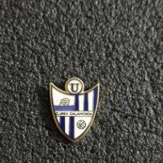 Collezionismo sportivo: PIN CLUB UNIVERSITARIO CALAHONDA - CALAHONDA (GRANADA). Lote 241759070