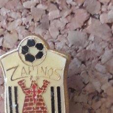 Coleccionismo deportivo: INSIGNIA ESCUDO ZAHINOS C.F.. Lote 243083315