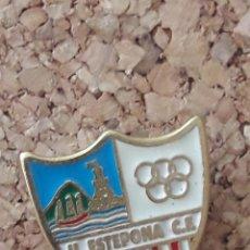 Coleccionismo deportivo: INSIGNIA ESCUDO U. ESTEPONA C.F.. Lote 243086290