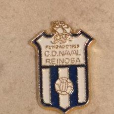 Coleccionismo deportivo: PIN FUTBOL - CANTABRIA - REINOSA - CD NAVAL. Lote 243123860