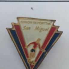 Coleccionismo deportivo: PINS DE FÚTBOL. UD SAN MIGUEL VIZCAYA. Lote 243181755
