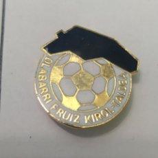 Coleccionismo deportivo: PINS DE FÚTBOL OLAVARRÍA FRUIT K. T. Lote 243182965