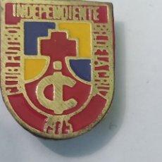 Coleccionismo deportivo: PINS DE FÚTBOL. CF INDEPENDIENTE BAL DE LA CRUZ BILBAO. VIZCAYA. Lote 243183425