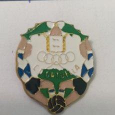 Coleccionismo deportivo: PINS DE FÚTBOL ORTUELLA VIZCAYA. Lote 243183635