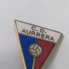 Coleccionismo deportivo: PINS DE FÚTBOL CD AURRERÁ VITORIA. ALAVA. Lote 243184225