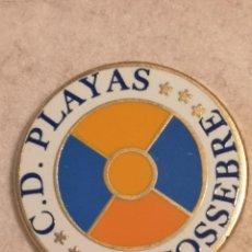 Coleccionismo deportivo: PIN FUTBOL - CASTELLÓ (CASTELLON) - ALCOSSEBRE - CD PLAYAS ALCOSSEBRE. Lote 243340220