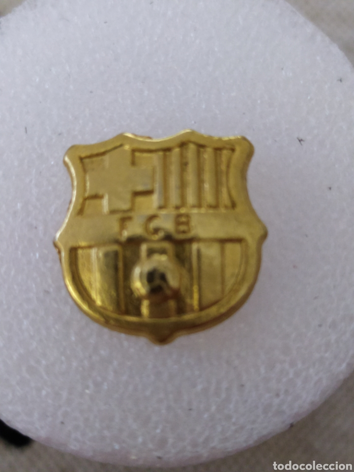 PIN DORADO FC BARCELONA (Coleccionismo Deportivo - Pins de Deportes - Fútbol)
