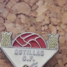 Collezionismo sportivo: INSIGNIA ESCUDO COTILLAS C.F.. Lote 243926625