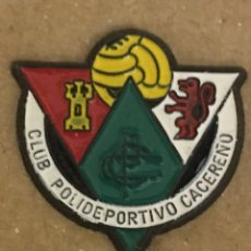 Coleccionismo deportivo: PIN CLUB POLIDEPORTIVO CACEREÑO. Lote 244434200