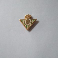 Coleccionismo deportivo: PIN DEL REAL CLUB BETIS BALOMPIE. Lote 244554920
