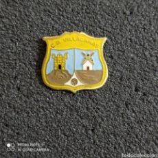 Collezionismo sportivo: PIN C.D. VILLACAÑAS - VILLACAÑAS (TOLEDO). Lote 244835120