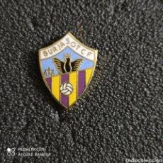 Coleccionismo deportivo: PIN BURJASOT C.F. - BURJASOT (VALENCIA). Lote 245976615