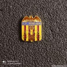 Coleccionismo deportivo: PIN C.F. MONCADA - MONCADA (VALENCIA). Lote 245977990