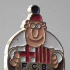 Coleccionismo deportivo: PIN AÑOS 90 - FÚTBOL CLUB BARCELONA BARÇA - JORDI CULÉ. Lote 245985480