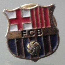 Coleccionismo deportivo: PIN FÚTBOL CLUB BARCELONA (F.C.B) AÑO 2002. Lote 245995460