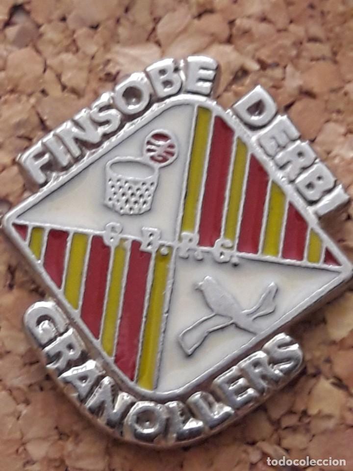 INSIGNIA ESCUDO FINSOBE DERBI GRANOLLERS (Coleccionismo Deportivo - Pins de Deportes - Fútbol)