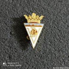 Coleccionismo deportivo: PIN C.F. VILLENA - VILLENA (ALICANTE). Lote 246097095