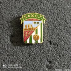 Coleccionismo deportivo: PIN SAX C.F. - SAX (ALICANTE). Lote 246097450
