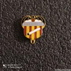 Coleccionismo deportivo: PIN TABACALERA C.F. - VALENCIA. Lote 246099480