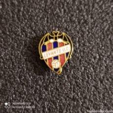 Coleccionismo deportivo: PIN LEVANTE U.D. - VALENCIA. Lote 246100600