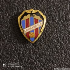 Coleccionismo deportivo: PIN LEVANTE U.D. - VALENCIA. Lote 246100665
