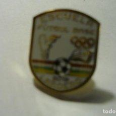 Colecionismo desportivo: PIN FUTBOL EFB LARDERO. Lote 246782300