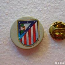 Collectionnisme sportif: PIN DE DEPORTES. FÚTBOL. ESCUDO EQUIPO. ATLÉTICO DE MADRID. Lote 247731550