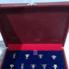 Coleccionismo deportivo: COPAS F. C. BARCELONA 13 COPAS ,MUNDO DEPORTIVO. VER FOTOS.. Lote 248071985