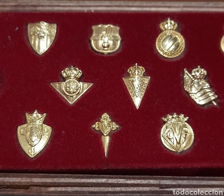 Coleccionismo deportivo: PINS Insignias de Oro Liga 2003 /2004 . Ver fotos. - Foto 2 - 248075380
