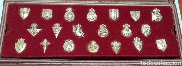 Coleccionismo deportivo: PINS Insignias de Oro Liga 2003 /2004 . Ver fotos. - Foto 6 - 248075380