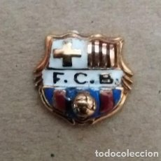 Collectionnisme sportif: PIN DE ORO Y ESMALTE DEL FUTBOL CLUB BARCELONA (FOOTBALL) BARÇA (GOLD). Lote 248275675