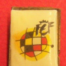 Coleccionismo deportivo: PIN REAL FEDERACIÓN ESPAÑOLA DE FUTBOL. Lote 249550215