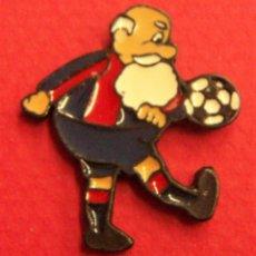 Coleccionismo deportivo: PIN BARCELONA BARCA. Lote 249550910