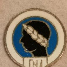 Coleccionismo deportivo: PIN FUTBOL - ALACANT / ALICANTE - CLUB NATACION ALICANTE - ESCUDO DE 1925. Lote 252891230