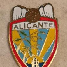 Coleccionismo deportivo: PIN FUTBOL - ALACANT / ALICANTE - ALICANTE CF - ESCUDO DE 1940. Lote 252895895