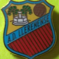 Collezionismo sportivo: PIN FÚTBOL, A.D. LLENENSE. Lote 253798160