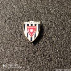 Coleccionismo deportivo: PIN C.D. IZARRA - ESTELLA (NAVARRA). Lote 253938965