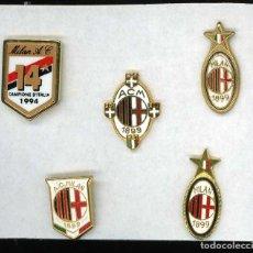 Coleccionismo deportivo: 5 PIN PINS ANTIGUA INSIGNIA FUTBOL AC MILAN MILANO CAMPIONE D'ITALIA TALIA 1994 14. Lote 254092605