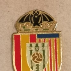 Coleccionismo deportivo: PIN FUTBOL - VALENCIA - MONTSERRAT - CF MONTSERRAT. Lote 254119295
