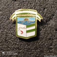 Coleccionismo deportivo: PIN C.D. BARRIADA LA PLAYA - EL PUERTO DE SANTAMARÍA (CÁDIZ). Lote 254645995