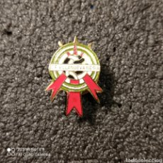 Coleccionismo deportivo: PIN C.F. VILLANUEVA MESIA - VILLANUEVA DE MESIA (GRANADA). Lote 254646150