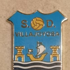 Coleccionismo deportivo: PIN FUTBOL - ALACANT / ALICANTE - VILA JOIOSA / VILLAJOYOSA - SD VILLAJOYOSA. Lote 254665430