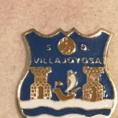 Coleccionismo deportivo: PIN FUTBOL - ALACANT / ALICANTE - VILA JOIOSA / VILLAJOYOSA - SD VILLAJOYOSA. Lote 254665910
