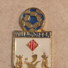 Coleccionismo deportivo: PIN FUTBOL - ALACANT / ALICANTE - VILA JOIOSA / VILLAJOYOSA - VILLAJOYOSA CF. Lote 254666070